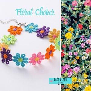 Jewelry - Beautiful Floral Choker Necklace